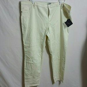 """Ava & Viv New Size 26Wx28.5""""L Crop Legging"""